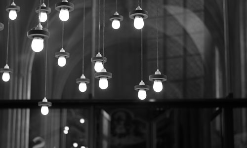 art-black-and-white-bulbs
