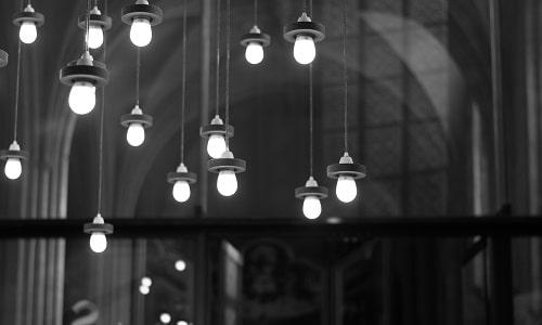 art-black-and-white-bulbs